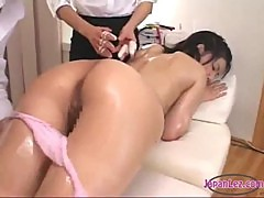 Asian Girl Oil On Body Massaged Squirting While Fingered By 2 Masseuses On The Massage Chair